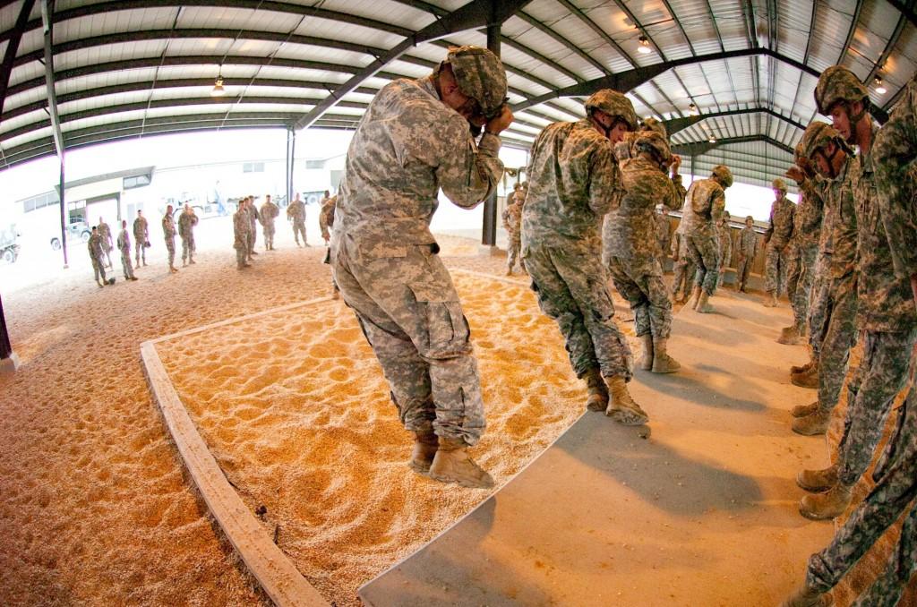 Soldater bliver ikke dygtige ved at træne 12 timer om dagen i 3 dage - men spreder de deres træning i intervaller á 3 tager det ikke lang tid, før de bliver dygtige til fx at håndtere våben, klare sig i vildnis mm. Det gælder også for studerende.